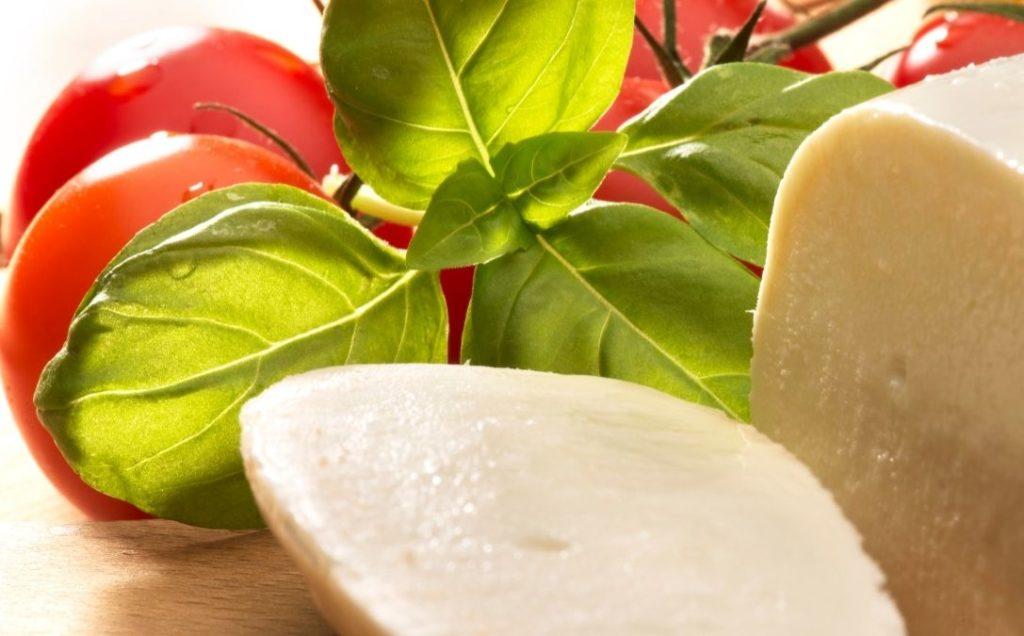 how-long-can-fresh-mozzarella-last-in-the-fridge