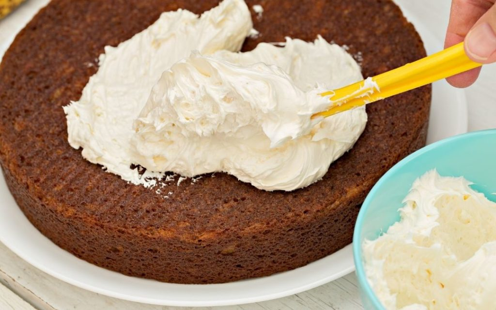 How Long Can Frosting Sit Out at Room Temperature