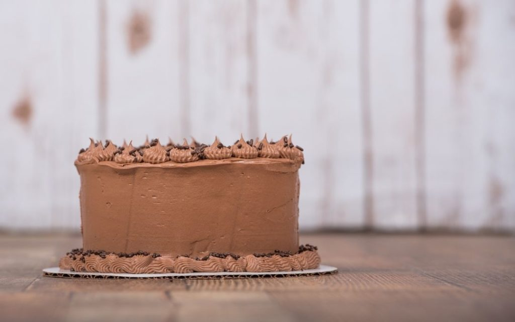 When Should I Refrigerate Frosted Cakes?
